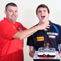 Zakwalifikowanie się Jamesa Hubbarda, młodego (20 lat) dartera z Anglii, do World Matchplay 2012 było zaskoczeniem. Po tym wydarzeniu rzez różne serwisy internetowe przelała się fala informacji na temat jego […]
