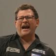 Richie Burnett v Stephen Bunting Statystyki: http://live.dartsdata.com/MatchView.aspx?MatchId=100321 Uważam, że to był bardzo dziwny pojedynek. Najpierw Burnett zapomina, jak się gra w lotki i rzuca tak, że wczorajszy Barney by […]